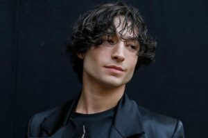 Ezra Miller Biography,Weight,Height,Body,Career,Age and More
